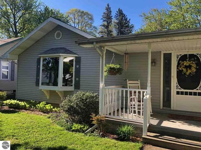608 Cedar, Breckenridge, MI 48615 (MLS #1887240) :: Boerma Realty, LLC