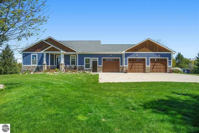 7327 Crisp Road, Williamsburg, MI 49690 (MLS #1887323) :: CENTURY 21 Northland
