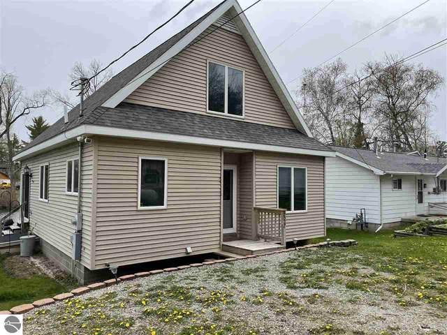 7527 Maple Avenue, Hale, MI 48739 (MLS #1887360) :: Brick & Corbett