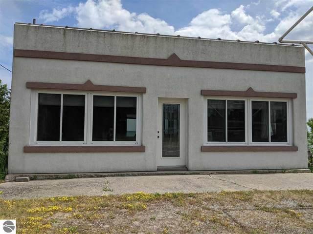 643 W Lake, Tawas City, MI 48763 (MLS #1887402) :: Michigan LifeStyle Homes Group
