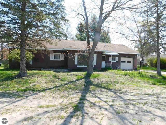 415 Sixth Avenue, Tawas City, MI 48763 (MLS #1887406) :: Michigan LifeStyle Homes Group