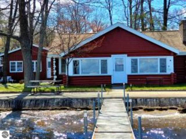 212 Holly, Houghton Lake, MI 48629 (MLS #1887411) :: Michigan LifeStyle Homes Group