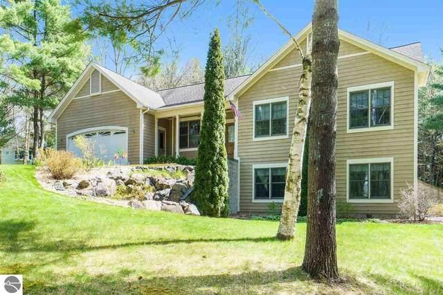 9563 Echo Valley Drive, Traverse City, MI 49685 (MLS #1887588) :: Boerma Realty, LLC