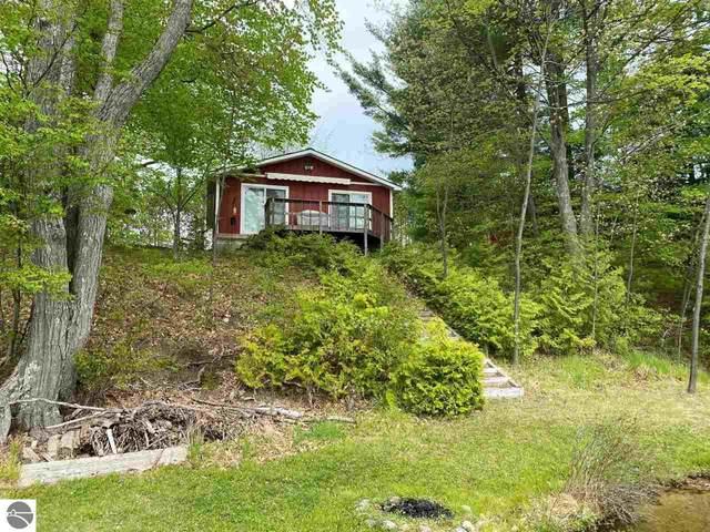6124 Ginafred Shores Drive, Fife Lake, MI 49633 (MLS #1887683) :: Brick & Corbett