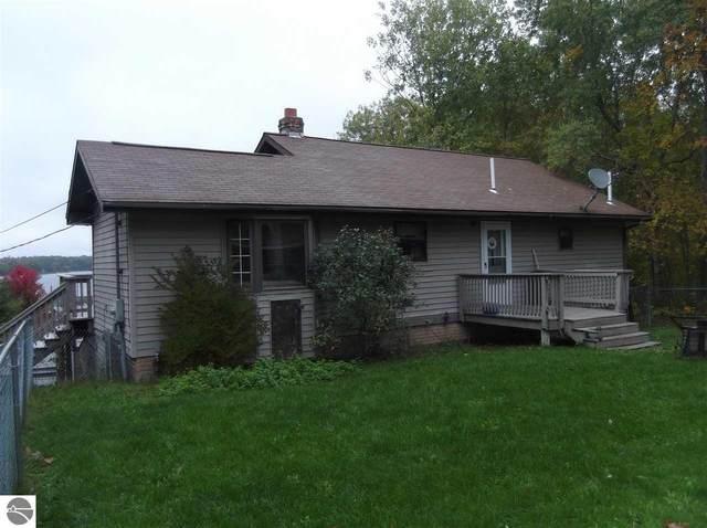 7731 W Hillsdale Drive, Hale, MI 48739 (MLS #1887775) :: Brick & Corbett