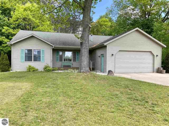 200 Pine Knoll Drive, Cadillac, MI 49601 (MLS #1888167) :: Boerma Realty, LLC