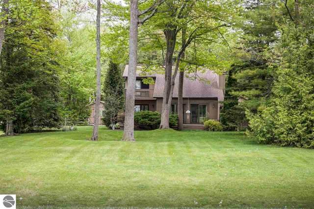 14835 Inwood Circle Drive, Elk Rapids, MI 49629 (MLS #1888297) :: Brick & Corbett