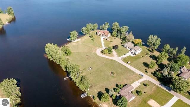 1017 Peninsula Drive, Lake Isabella, MI 48893 (MLS #1888391) :: Team Dakoske | RE/MAX Bayshore