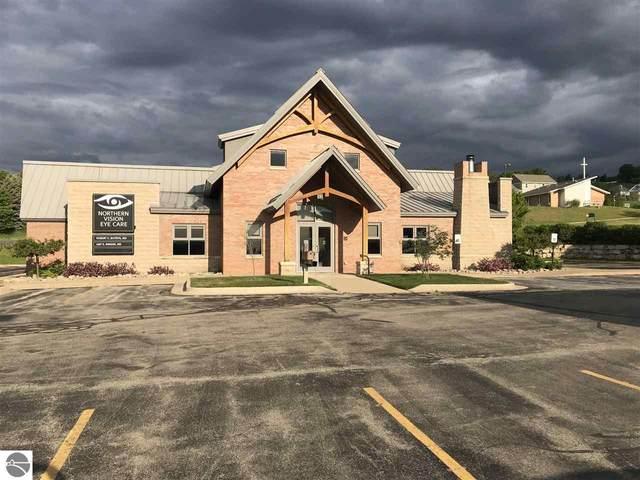4033 Eastern Sky Drive, Traverse City, MI 49684 (MLS #1888439) :: Boerma Realty, LLC