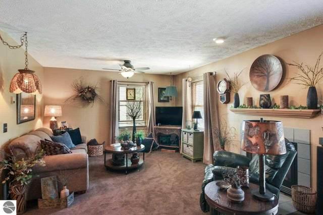 4227 Mitchell Creek Drive B-4, Traverse City, MI 49686 (MLS #1888475) :: Brick & Corbett