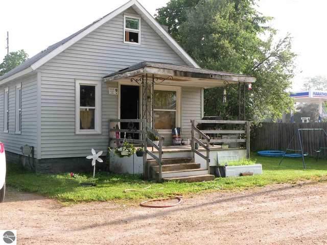 108 Park Lane, Beaverton, MI 48612 (MLS #1888486) :: Boerma Realty, LLC