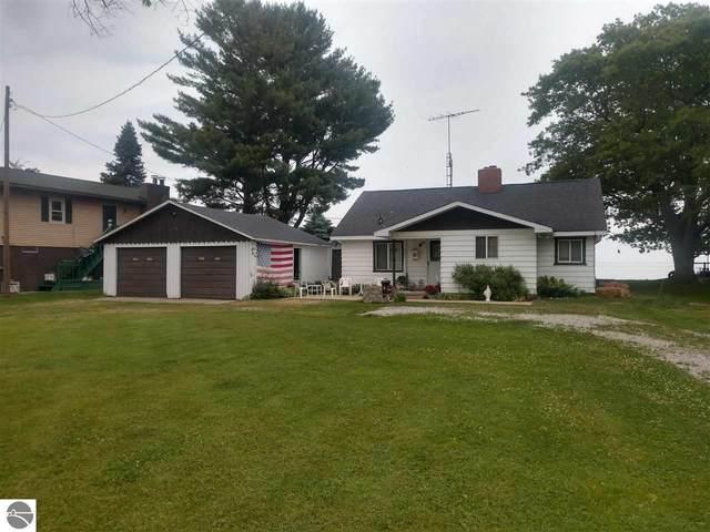 2421 Green Drive, Au Gres, MI 48703 (MLS #1888488) :: Brick & Corbett
