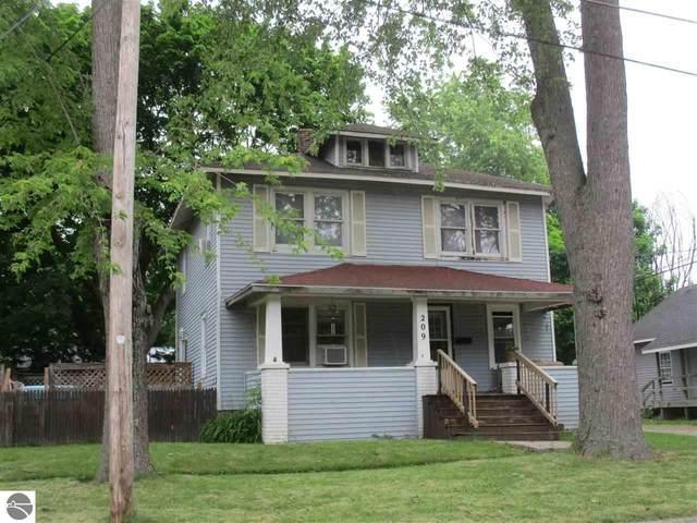 209 Walnut Street, Alma, MI 48801 (MLS #1888540) :: CENTURY 21 Northland