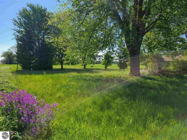 3375 W Washington Road, Ithaca, MI 48847 (MLS #1888592) :: Boerma Realty, LLC