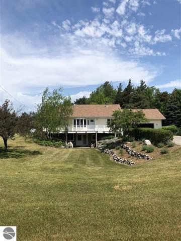 6952 Emmet Heights Road, Harbor Springs, MI 49740 (MLS #1888597) :: Boerma Realty, LLC