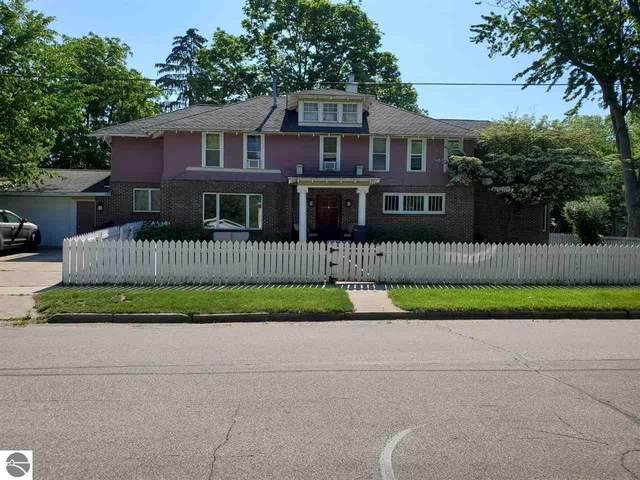 304 N Lansing Street, Mt Pleasant, MI 48858 (MLS #1888613) :: Brick & Corbett