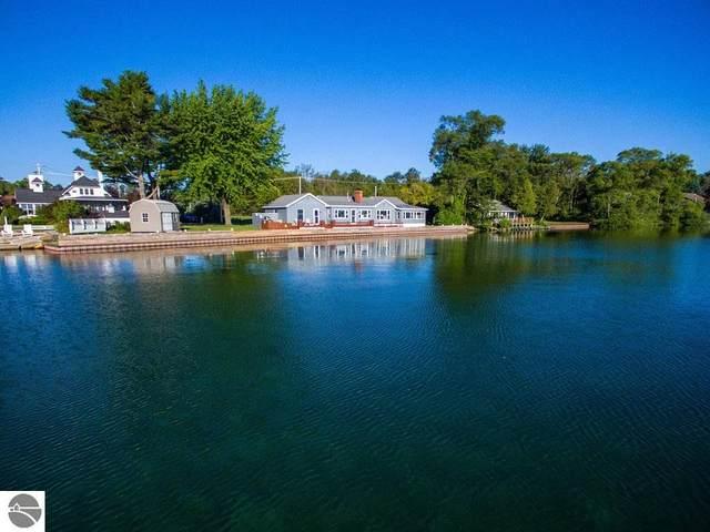 111 S Shore Drive, Suttons Bay, MI 49682 (MLS #1888641) :: Brick & Corbett