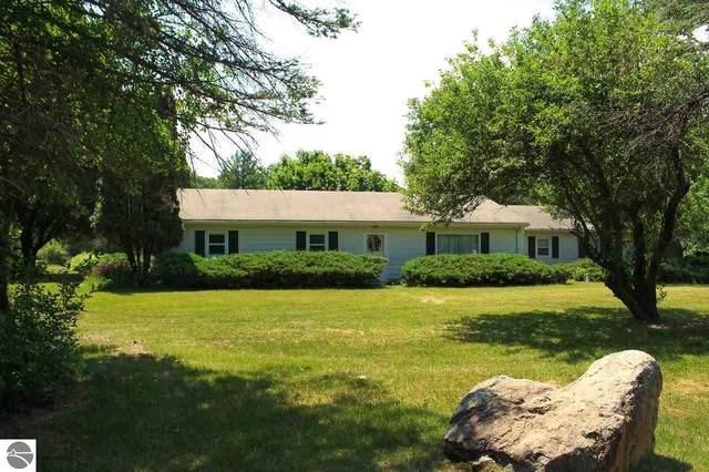 8502 E River Road, Mt Pleasant, MI 48858 (MLS #1888657) :: CENTURY 21 Northland