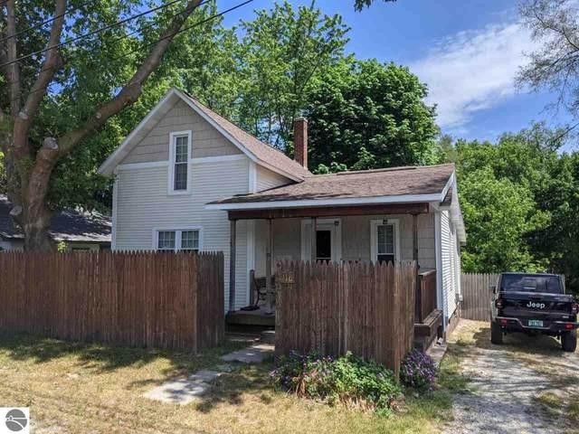 116 N Cedar Street, Traverse City, MI 49684 (MLS #1888723) :: Brick & Corbett
