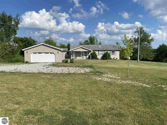 5889 Arnold Lake Road, Gladwin, MI 48624 (MLS #1888745) :: Brick & Corbett