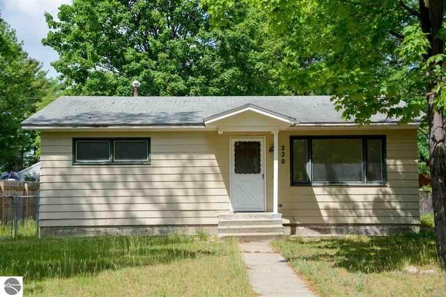 220 Cochlin Street, Traverse City, MI 49686 (MLS #1888789) :: Brick & Corbett