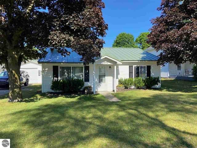 1642 State Street, Grawn, MI 49637 (MLS #1888849) :: Boerma Realty, LLC