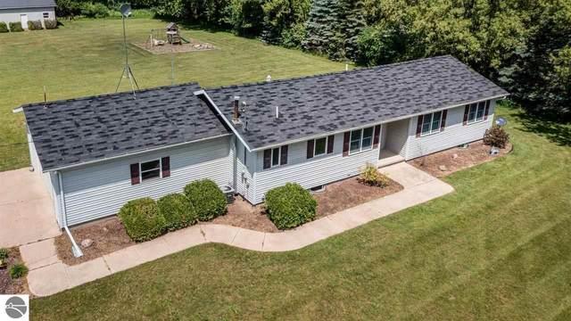 4981 E Pleasant Valley Road, Shepherd, MI 48883 (MLS #1888853) :: Boerma Realty, LLC