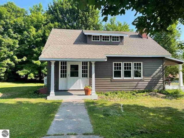 7822 E State Street, Central Lake, MI 49622 (MLS #1888869) :: Brick & Corbett