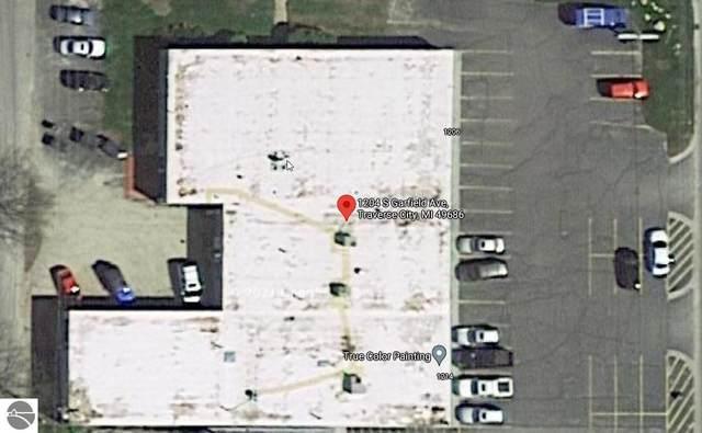 1204 S Garfield, Traverse City, MI 49686 (MLS #1888950) :: Team Dakoske | RE/MAX Bayshore