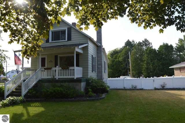 1029 S Fourth Avenue, Alpena, MI 49707 (MLS #1888997) :: Brick & Corbett