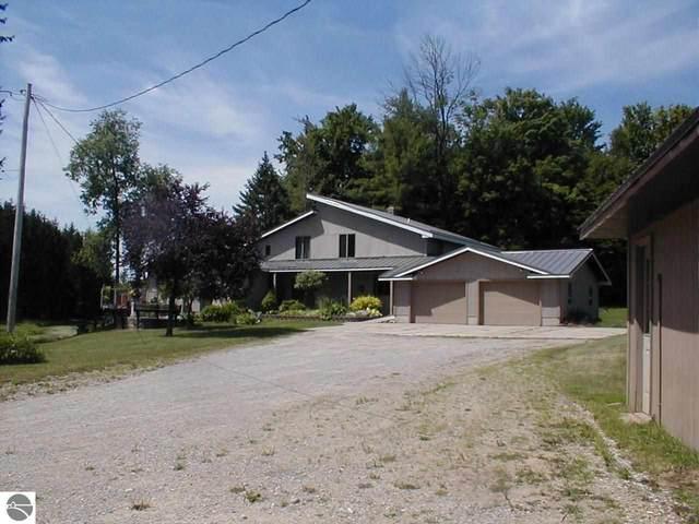 5260 Hockaday Road, Gladwin, MI 48624 (MLS #1889147) :: Boerma Realty, LLC