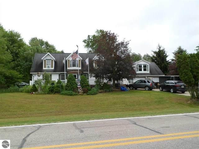1165 Clubhouse Drive, Lake Isabella, MI 48893 (MLS #1889348) :: Team Dakoske   RE/MAX Bayshore