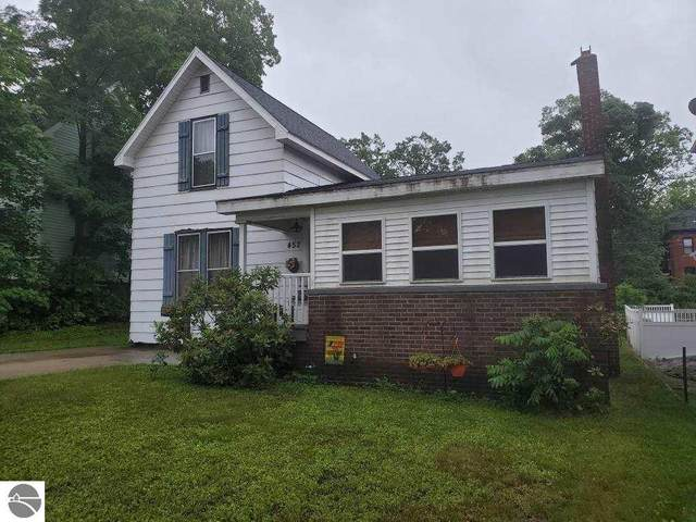 452 E Chapin Street, Cadillac, MI 49601 (MLS #1889474) :: Brick & Corbett