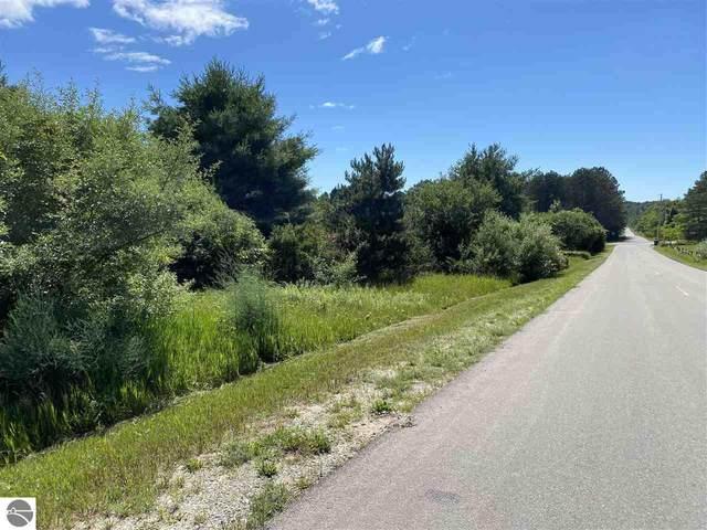 O Runway Road, Frankfort, MI 49635 (MLS #1889736) :: CENTURY 21 Northland