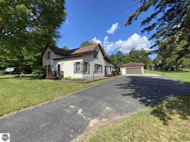17398 180Th Avenue, Leroy, MI 49655 (MLS #1889923) :: Brick & Corbett