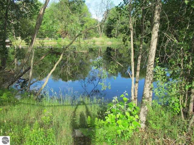 Lot 21 Pond Side Drive, Farwell, MI 48622 (MLS #1889953) :: Boerma Realty, LLC