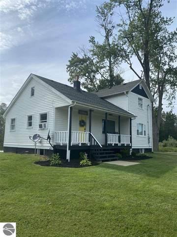 11990 E Millbrook, Shepherd, MI 48883 (MLS #1890104) :: Boerma Realty, LLC