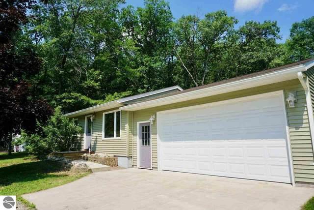 647 Amy Avenue, Traverse City, MI 49686 (MLS #1890252) :: Boerma Realty, LLC