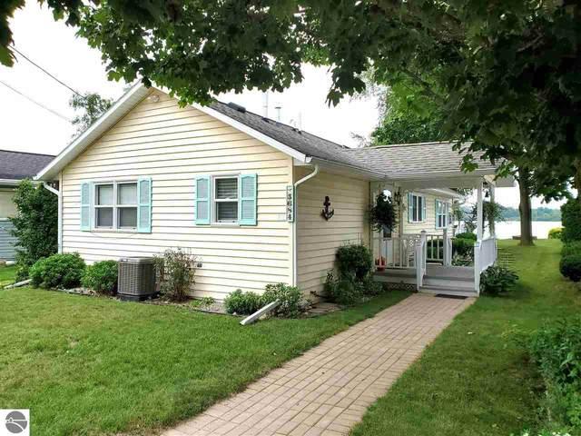 5684 Lake Shore Drive, Weidman, MI 48893 (MLS #1890406) :: Boerma Realty, LLC