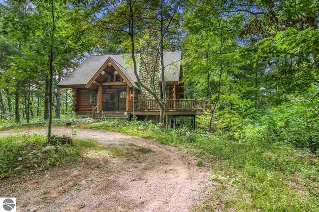 3227 E Overby Trail, Lake Leelanau, MI 49653 (MLS #1890453) :: CENTURY 21 Northland