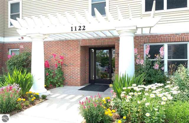 1122 Lake Ridge Drive Ste101 #31, Traverse City, MI 49684 (MLS #1890576) :: Team Dakoske   RE/MAX Bayshore