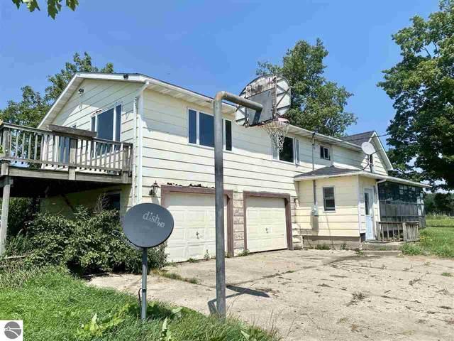4421 30th Avenue, Sears, MI 49679 (MLS #1890822) :: Brick & Corbett