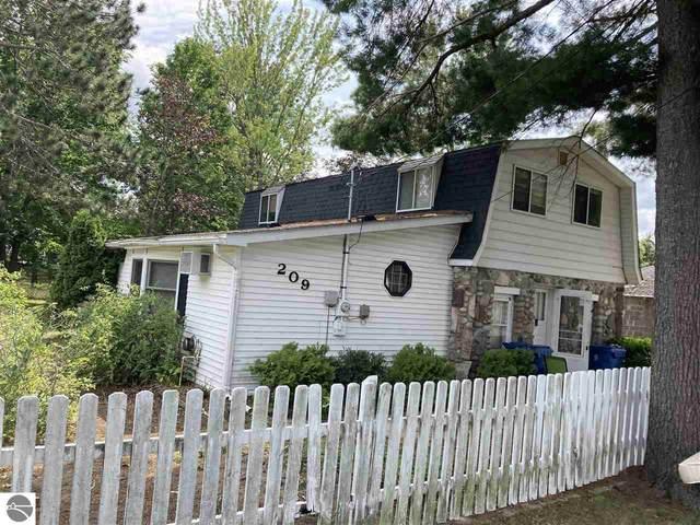 209 Beech, Houghton Lake, MI 48629 (MLS #1890827) :: CENTURY 21 Northland