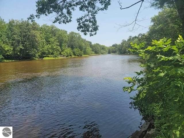 6440 Flowing Well Road, Evart, MI 49631 (MLS #1890861) :: CENTURY 21 Northland