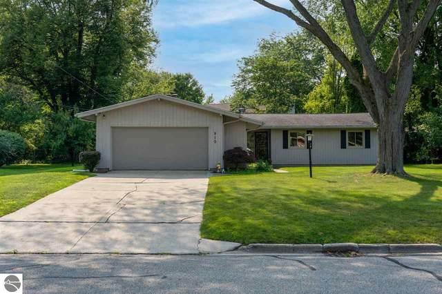 910 Hopkins Avenue, Mt Pleasant, MI 48858 (MLS #1890924) :: Brick & Corbett