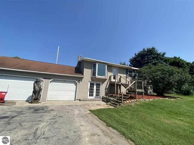 3036 Country Lane, Traverse City, MI 49685 (MLS #1890960) :: Boerma Realty, LLC