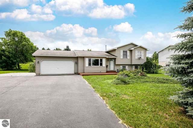 317 Peach Tree Drive, Traverse City, MI 49696 (MLS #1891021) :: Team Dakoske | RE/MAX Bayshore