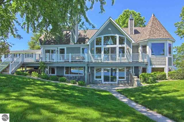1044 N West Silver Lake Road, Traverse City, MI 49685 (MLS #1891022) :: Boerma Realty, LLC