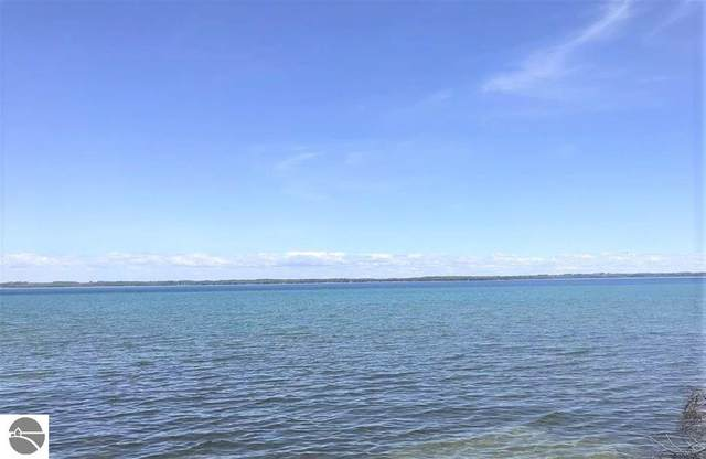 2558 N West Bay Shore, Suttons Bay, MI 49682 (MLS #1891028) :: Boerma Realty, LLC