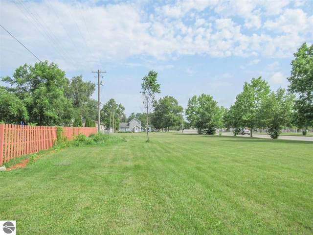 604 Chestnut Street, Cadillac, MI 49601 (MLS #1891118) :: CENTURY 21 Northland